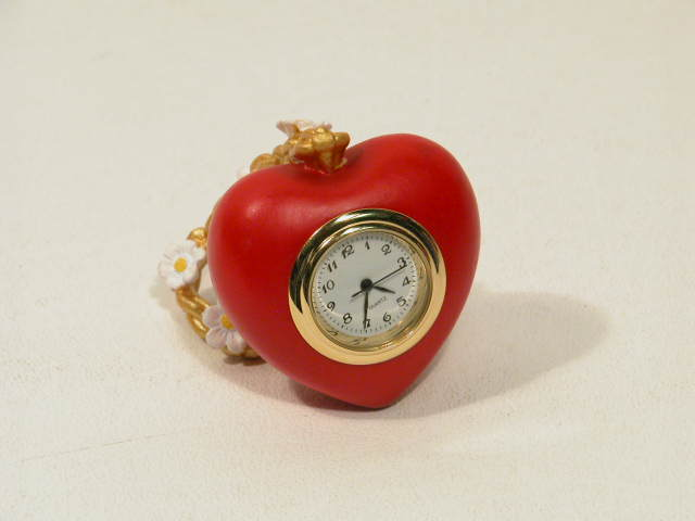 Picture of Tin Man's Heart Mini Clock