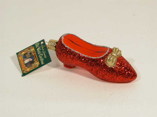 "Picture of Wizard of Oz Ruby Slipper Glass Ornament (3-3/4"")"